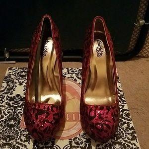 Sexy pink and black cheetah heels